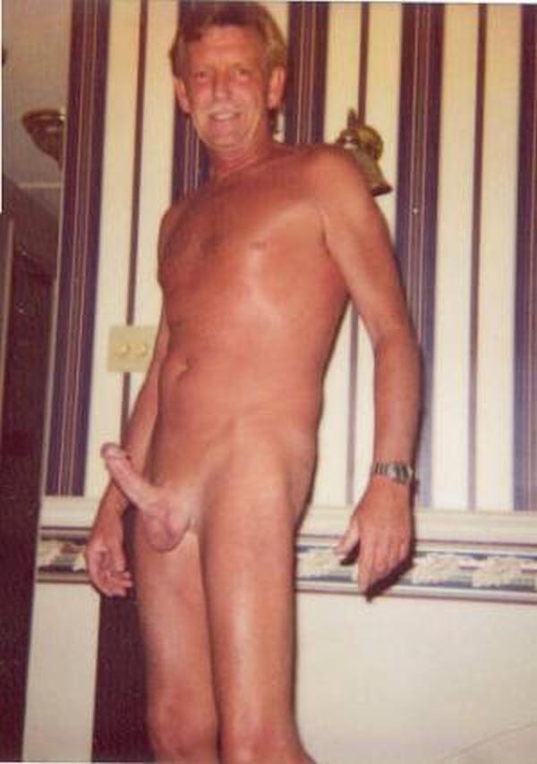 Connie sellica nude
